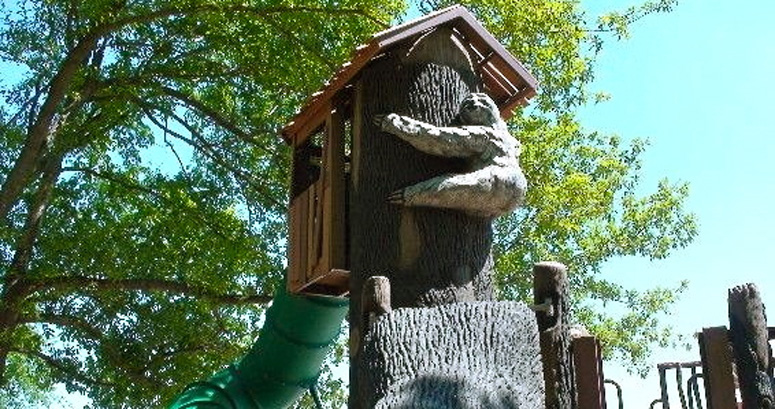 A Bear Hugs the Tree House at Brumble's Forest - slideshow version